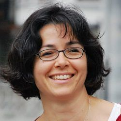María Lázaro